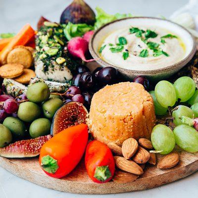 Brânză cu nuci de cultură