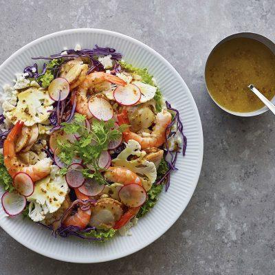 Salată de scoici şi legume feliate