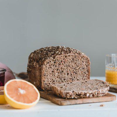 Rețetă de pâine cu maia, cu morcovi și semințe