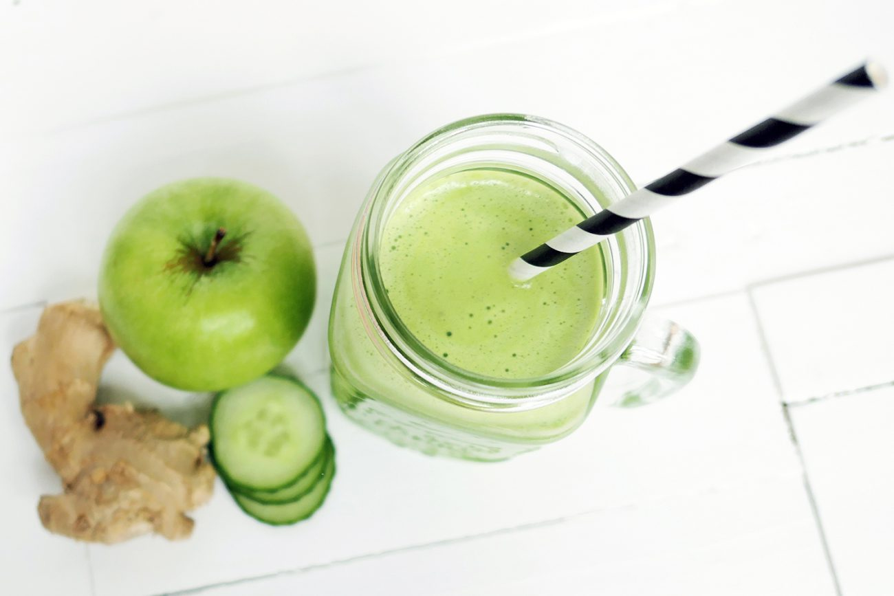 Refreshing slow juice with apple, cucumber and ginger