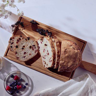 Pane con mirtillo rosso e uvetta