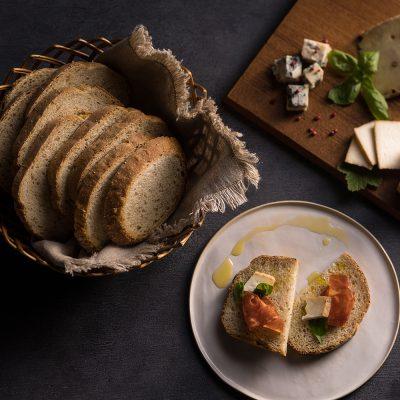 Pâine cu semințe de muștar