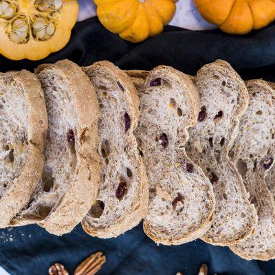 Pan de arándanos, calabaza y nueces pecanas