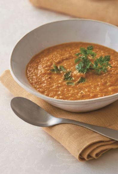 Sopa de lentajas y tomate
