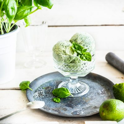 Gin-bazsalikom Frozen Yogurt