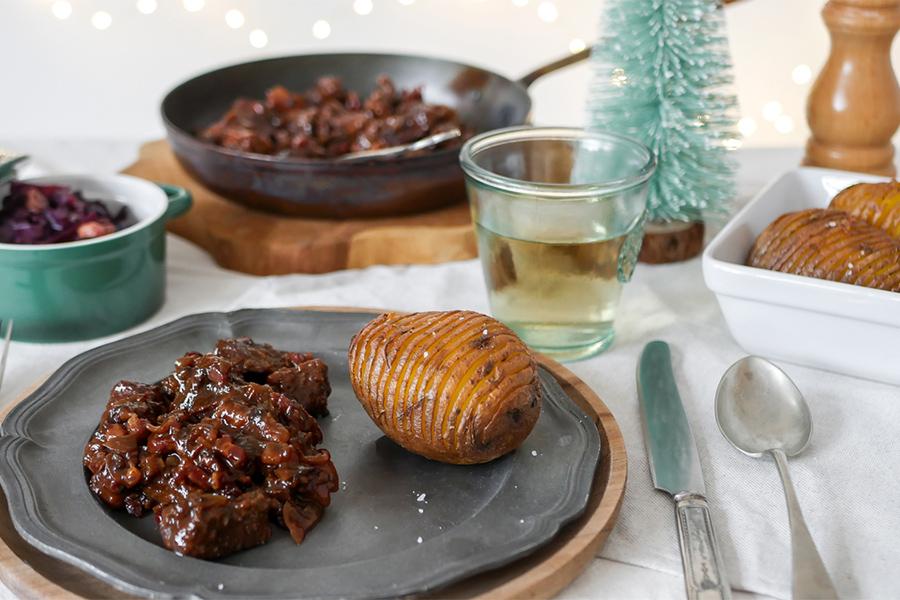 Kerst hoofdgerecht – Stoofvlees met bruin bier en zwarte knoflook