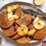Pancakes di grano saraceno e mele
