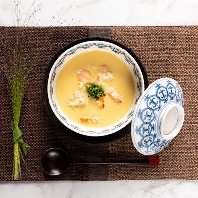 Crème aux œufs salée avec crabe