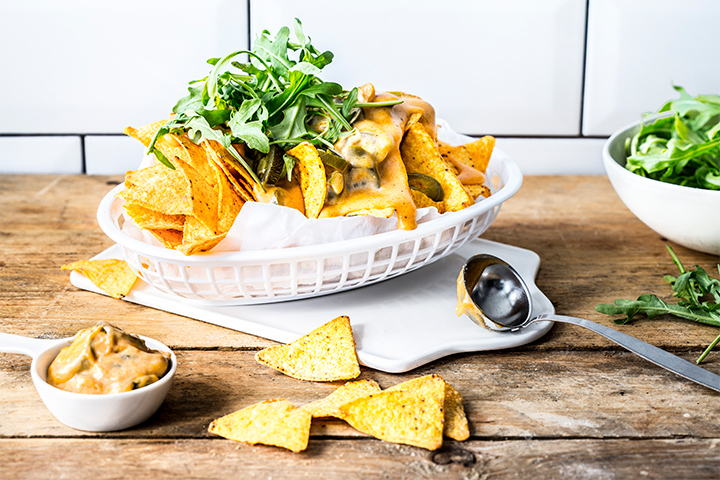 Nachos with Hot Cheese Sauce