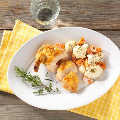Recette de poulet jaune accompagné de carottes et de chou-fleur