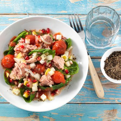 Tuna Salad with Tomatoes and Spinach Recipe