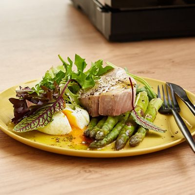 Summer Salad with Steamed Tuna, Poached Egg and Green Asparagus Recipe