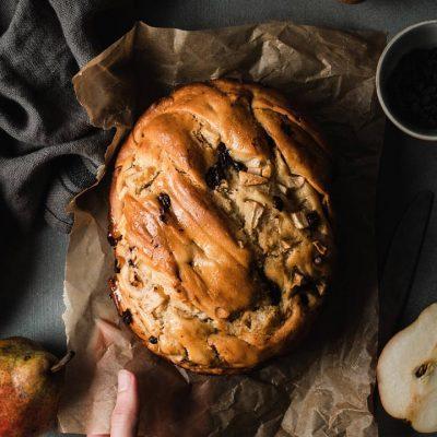 Pan brioche con pere e cioccolato
