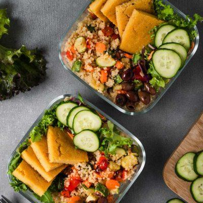 Schiscetta con quinoa, verdure al forno e farifritatta