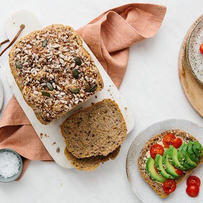 Rețetă de pâine din multicereale cu amestec de semințe și miez de semințe